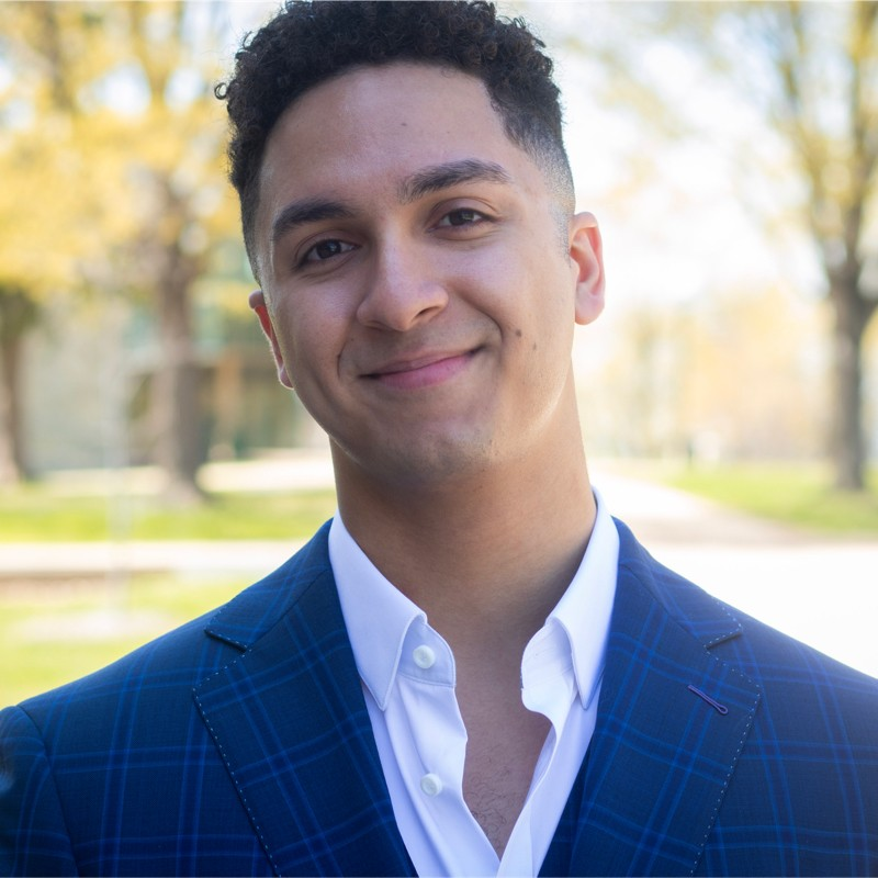 Luis Mendez, BHGH of Illinois graduate and St. Olaf College scholar
